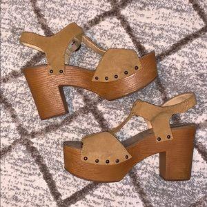 •Steve Madden• Wood Platform Sandals
